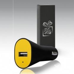 Színes USB -s autós töltő  díszdobozban.